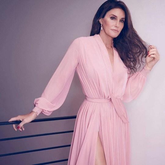 Caitlyn Jenner tem beleza comparada com a da Lana del Rey (Foto: Reprodução)