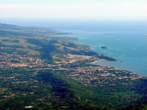 Vista aérea de Ilhabela (Foto: Vanessa de Paula/Divulgação)