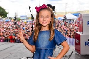 Rafa Gomes brilhou no The Voice Kids e convida a garotada para se increver também (Foto: Priscilla Fiedler/ RPC)