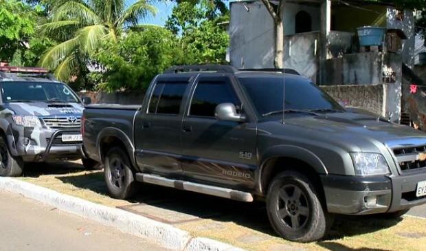 Três jovens são presos no Espírito Santo com caminhonete roubada em São Paulo (Foto: Reprodução/TV Gazeta)