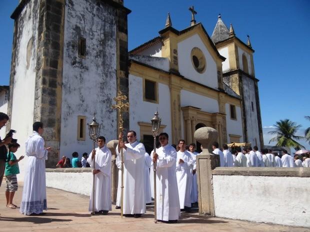Início da procissão de Corpus Christi, na Sé, em Olinda. (Foto: Lorena Aquino/G1)
