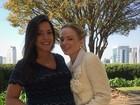 Thais Fersoza posa com amiga blogueira na reta final de gravidez