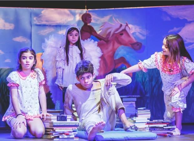 """Crianças em cena em """"Os livros que mudaram minha vida"""" (Foto: Divulgação/Priscila Ferreira)"""