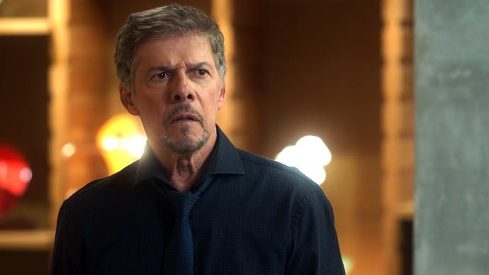 Tião promete pensar em oferta de Salete (Foto: TV Globo)