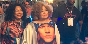Axl Rose agradece a Alcione no Twitter por camiseta no Rock in Rio  (José Raphael Berrêdo/G1)