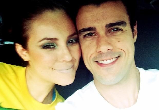 Paola Oliveira e Joaquim Lopes também estão caracterizados (Foto: Reprodução Instagram)