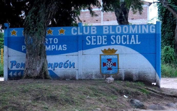 caminho para o ct do blooming flamengo bolívia (Foto: Thales Soares)