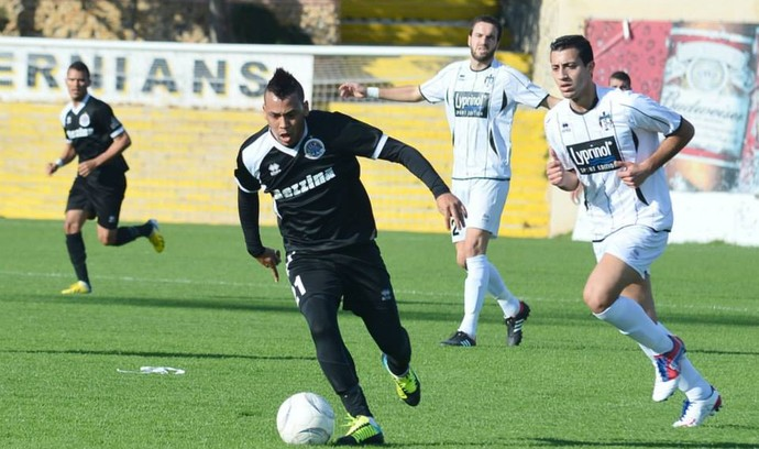 Tarabai em ação durante o primeiro semestre do Campeonato de Malta (Foto: Joe Borg/Divulgação)