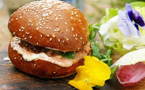 Hambúrguer de cordeiro: anote a receita de Jamie Oliver