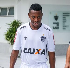 Robinho com o novo uniforme do Atlético-MG (Foto: Bruno Cantini/ Flickr Atlético-MG)