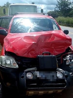 Mulher conduzia CrossFox e provocou acidente na BR-153, em Goiás (Foto: Divulgação/PRF)