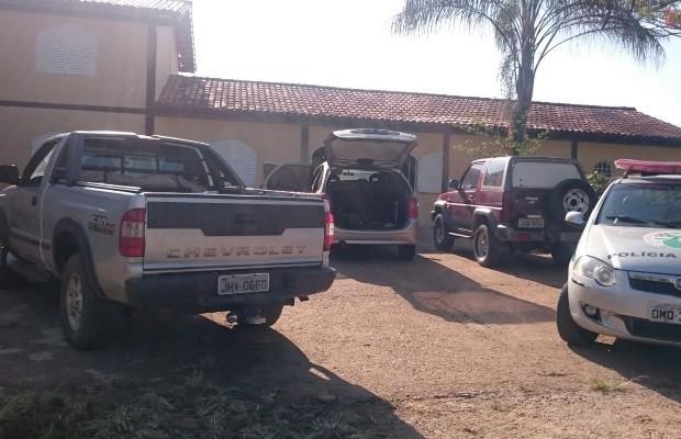 Suspeitos tentaram assaltar casa de ex-prefeito de Valparaíso de Goiás (Foto: Divulgação/Polícia Militar)