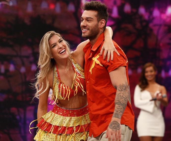 A baiana Lorena Improta arrasou na coreografia com Lucas Lucco (Foto: Raphael Dias)