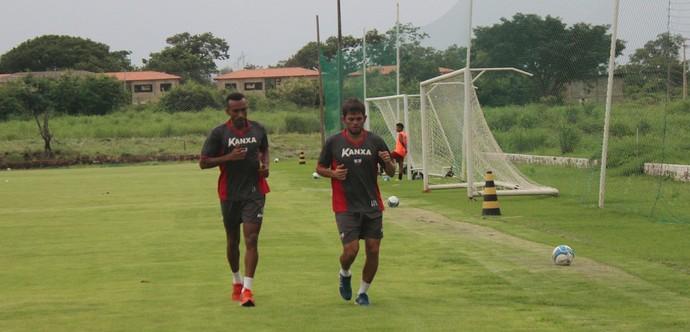 Eduardo e Júnior Xuxa, River-PI (Foto: Abdias Bideh/GloboEsporte.com)