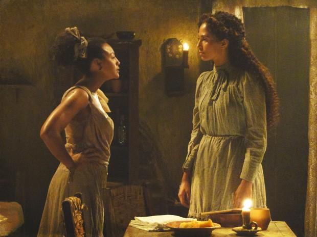 Berenice provoca e assume que quer roubar Zé Maria para ela (Foto: Lado a Lado/TV Globo)