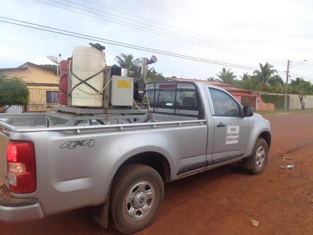 Aplicação de fumacê em Guajará-Mirim foi intensificado para barrar o avanço da dengue no município (Foto: Júnior Freitas/G1)