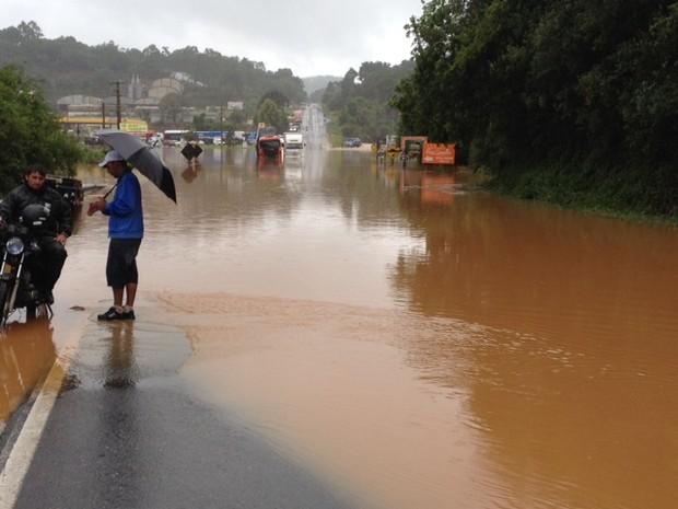 Chuvas afetaram 11 mil moradores de duas cidades do Norte do Paraná
