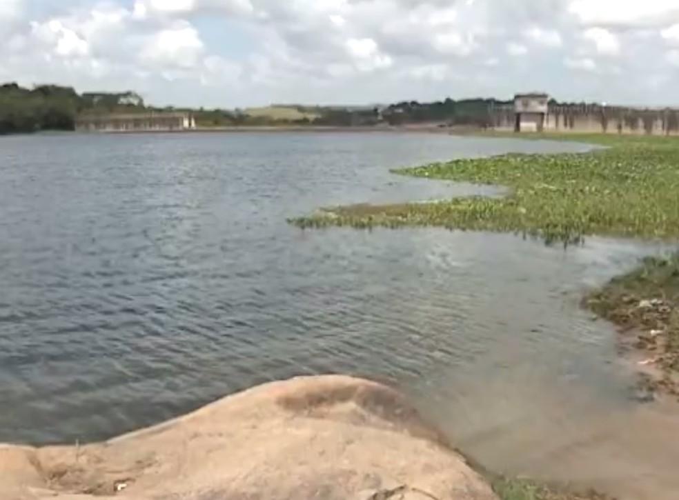 Barragem do Prata está localizada em Bonito, no Agreste (Foto: Reprodução/ TV Asa Branca)