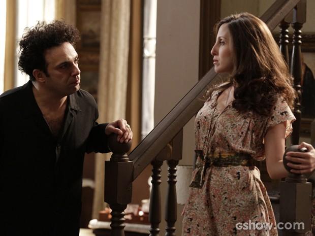 Joel anuncia que vai se casar com Cléo e ela fica radiante (Foto: Fábio Rocha/TV Globo)