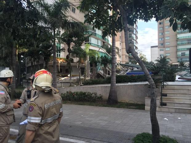 Prédio desabou em Vitória (Foto: Victoria Varejão/ G1)