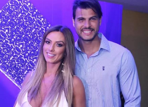 Nicole Bahls e Marcelo Bimbi (Foto: Daniel Pinheiro/AgNews)