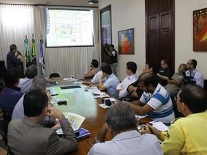 Técnicos da Prefeitura explicaram intervenções no trãnsito em coletiva de imprensa (Foto: Alex Régis)