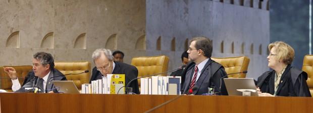 Os ministros Marco Aurélio, Ricardo Lewandowski, Dias Toffoli e Rosa Weber, durante análise do processo do mensalão (Foto: Gervásio Baptista/SCO/STF)