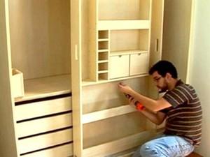 Montador de móveis encontra oportunidade com bom salário (Foto: Reprodução / TV Globo)