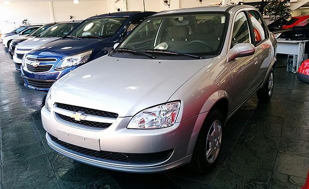Chevrolet Classic é vendido abaixo da tabela nas lojas (Foto: Alexandre Izo/Autoesporte)