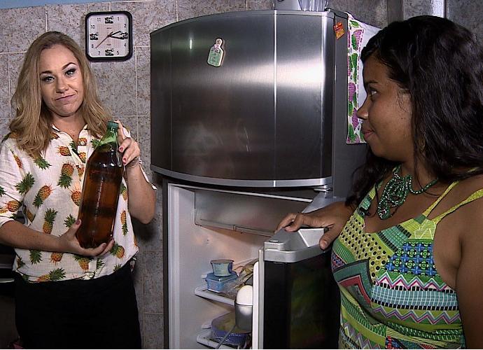 Andrea Gonlçaves dá dicas de como emagrecer com saúde (Foto: Reprodução / TV SERGIPE)