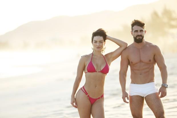 Laura Keller e Jorge Sousa mostram o resultado da dieta (Foto: Marcos Serra Lima / Ego)