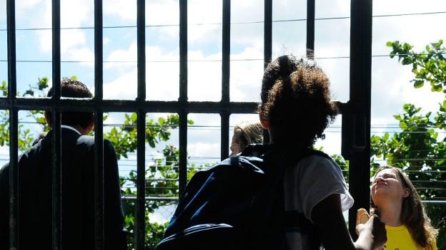 Estudo também revelou que também revelou que apenas um em cada dez professores no Brasil acreditam que a profissão é valorizada pela sociedade (Foto: BBC)