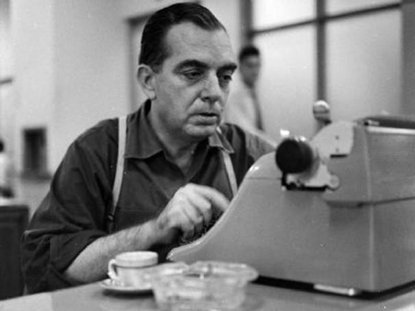 Nelson Rodrigues escreveu para teatro, cinema, televisão e jornal (Foto: Reprodução)