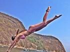 Bárbara Evans posta foto de mergulho e recebe elogios dos fãs