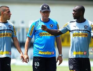 Seedorf e Oswaldo de Oliveira no treino do Botafogo (Foto: Jorge William / Ag. O Globo)