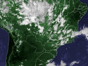 Imagem de satélite capturada na tarde desta sexta-feira (02) (Foto: Reprodução/Cptec/Inpe)