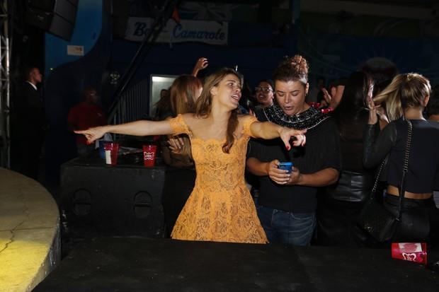 Carolina Dieckmann é pura empolgação em festa de Preta Gil no Rio (Foto: Felipe Panfili/ Ag. News)
