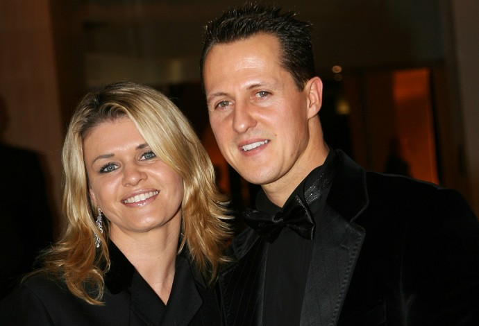 Michael Schumacher com a esposa Corinna em 2006 (Foto: Getty Images)