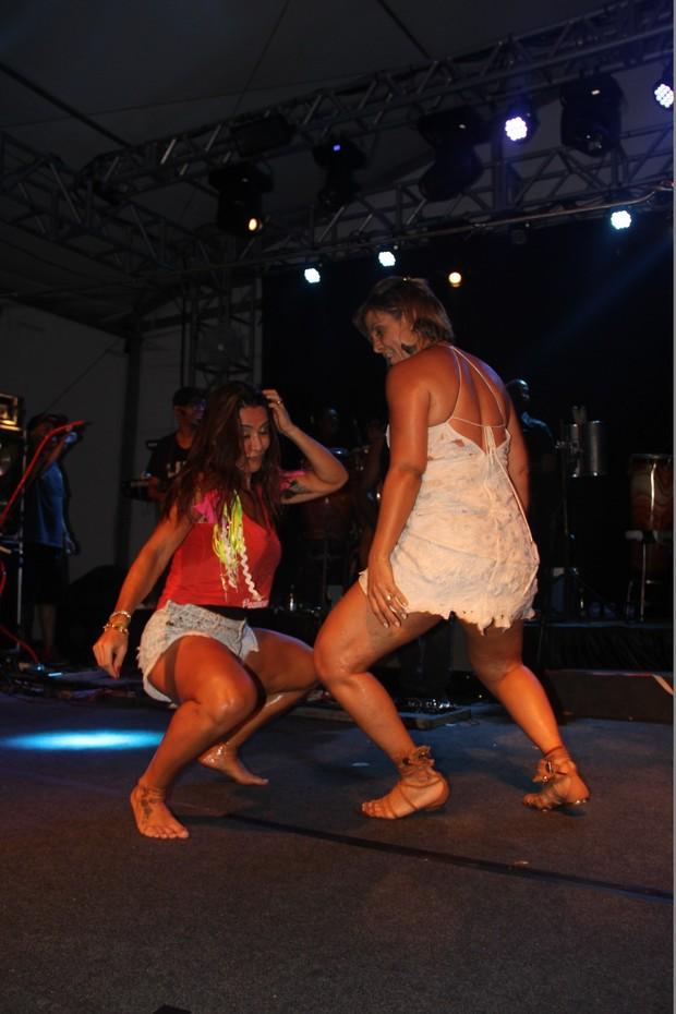 Scheila Carvalho e Carla Perez (Foto: Marlon Silva-AgFPontes-Divulgacao)