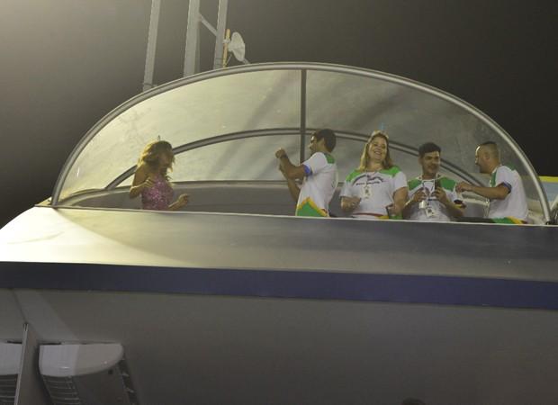 Patrick Bulus fotografa a namorada, a atriz Grazi Massafera (Foto: Marcia Tavares/Editora Globo)