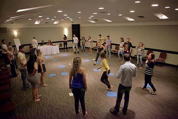 Pré-selecionados de Cuiabá participam da dinâmica em grupo (Foto: Gshow)