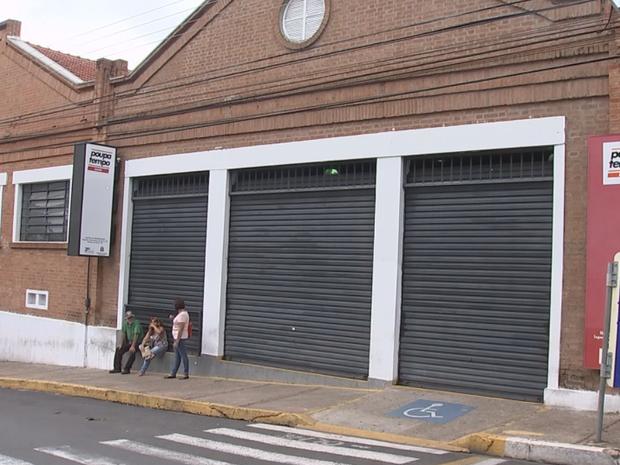 Poupatempo de Bauru fechou as portas após rebelião (Foto: Reprodução/TV TEM)