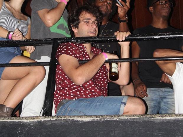 Humberto Carrão em show no Centro do Rio (Foto: Anderson Borde/ Ag. News)