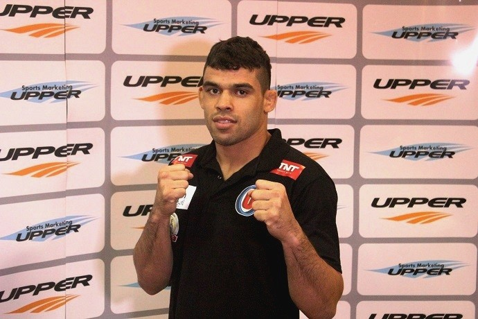 Renan Barão (Foto: Marcelo Barone/ globoesporte.com)
