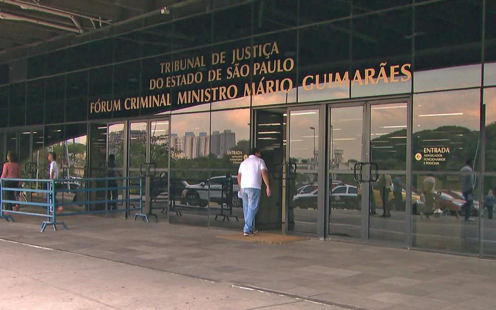 Justiça marcou interrogatório da ré para o Fórum Criminal da Barra Funda, na Zona Oeste de São Paulo (Foto: TV Globo/Reprodução)
