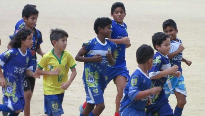 Escolinha de futebol do Nacional (Foto: Divugação/Nacional)