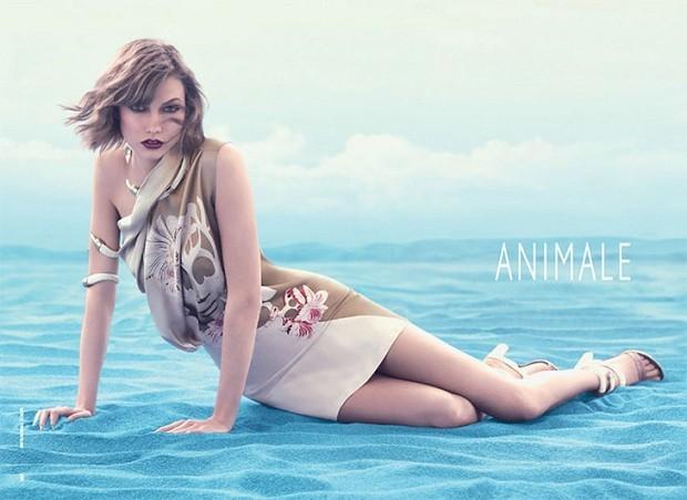 Karlie Kloss uma das top models mais bem pagas do mundo em campanha da marca (Foto: Divulgação)