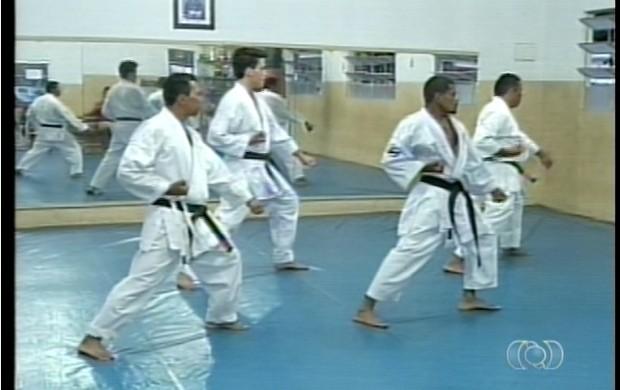 Condicionamento físico e equilíbrio psicológico são as vantagens para os praticantes da modalidade  (Foto: Reprodução/TV Anhanguera)