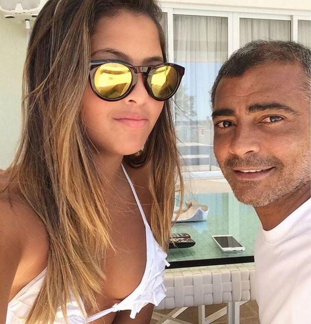 Danielle Favatto ao lado do pai, Romário (Foto: Reprodução/Instagram)