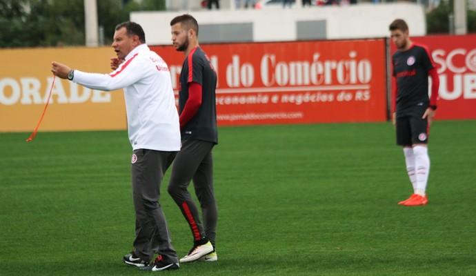 Celso Roth Nico López Aylon Inter (Foto: Tomás Hammes / GloboEsporte.com)